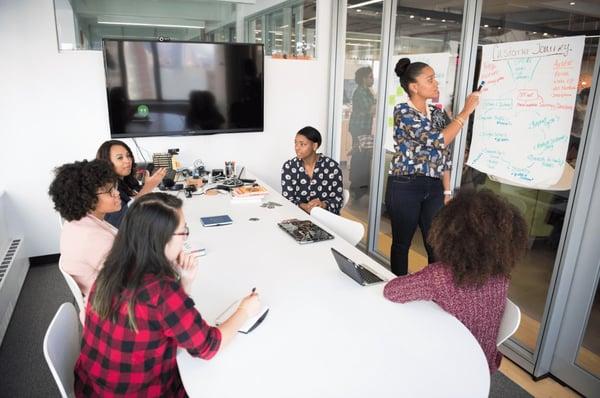adult-brainstorming-classroom-1181622